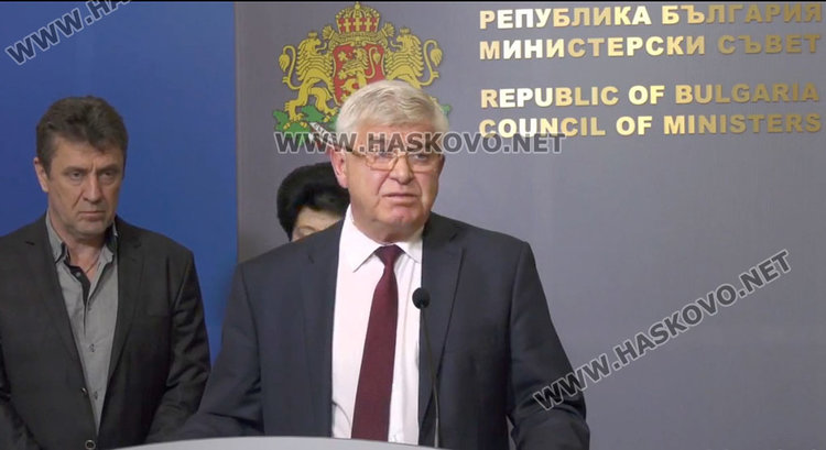 Между 25-40 % увеличение за заплатите в общинските болници обеща министър Ананиев