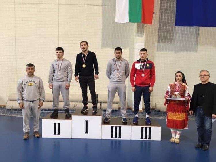 5 медала завоюваха борците на Димитровград