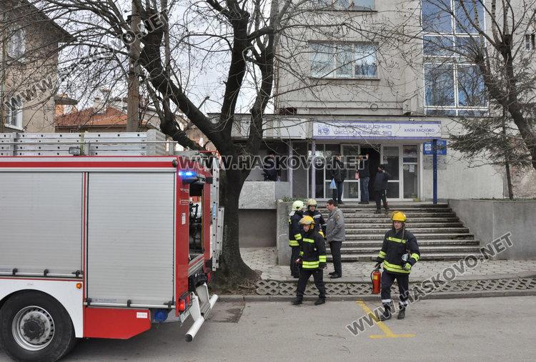 Заради изпушил асансьор евакуираха служителите от бившия Изчислителен център