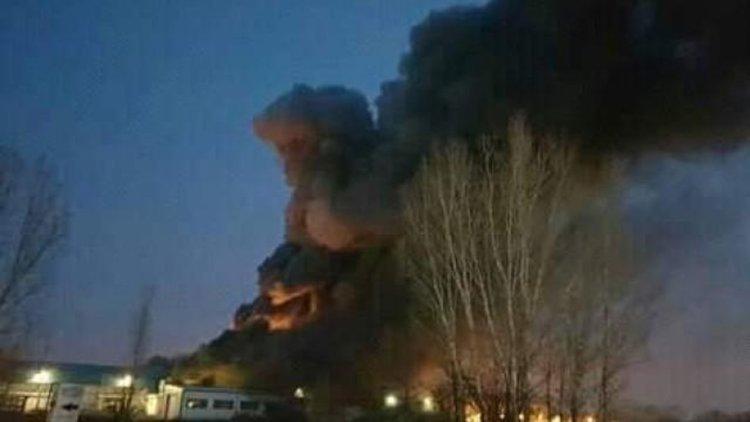 Още гасят пожара във Войводиново, 300 души остават без работа