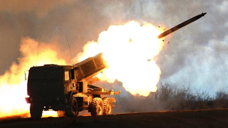 Полша и САЩ подписаха договор за доставката на ракетни комплекси HIMARS