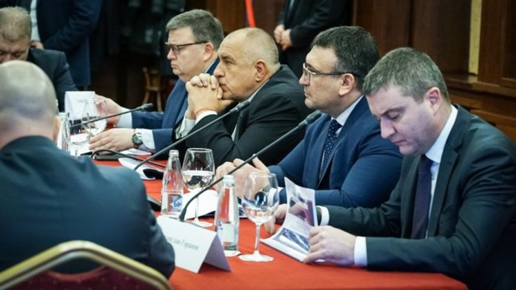 Борисов обеща арести, затваряне на обекти и солени глоби за сивия сектор в горивата