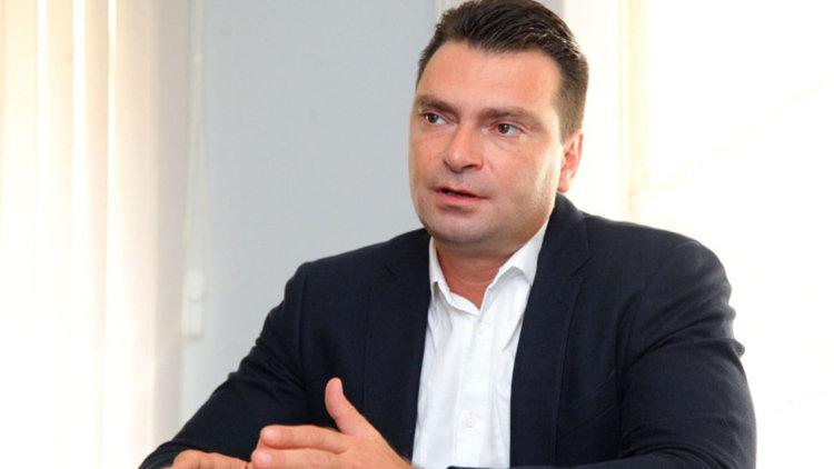 Червената истина: Напускането на БСП делегитимира работата на Народното събрание