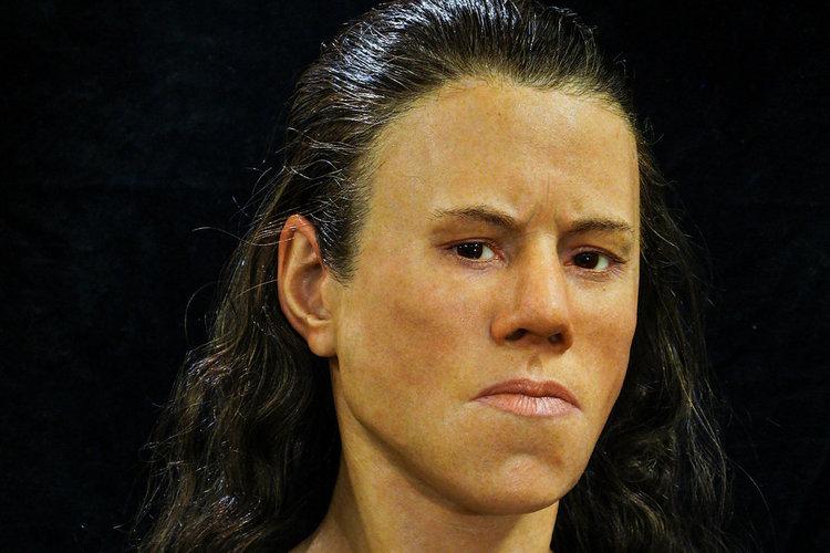 Реконструкция на лицето на 18-годишна жена отпреди 9 хил. години, наречена от учените Авги (Зора), Черепът бе открит в гръцка пещера.