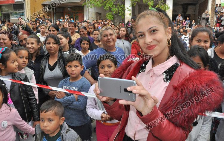Медали за шампиони по борба в Международния ден на ромите