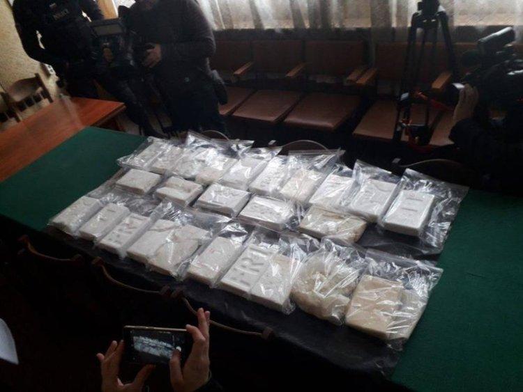 Сак с кокаин изплува и до курорт край Варна