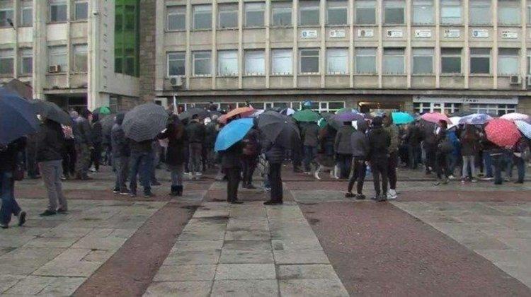 Засиленото полицейско присъствие в Габрово продължава
