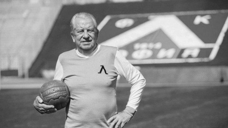 Легендата на Левски Сашо Костов ни напусна на 81-годишна възраст