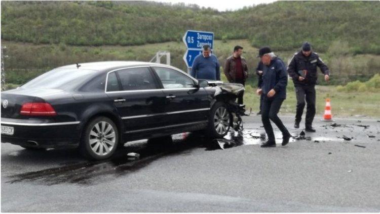 Семейството, пострадало в катастрофата с Местан, е в стабилно състояние