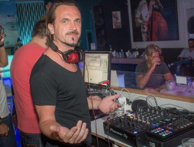 """Турски топ DJ с микс """"Притури се планината"""" (видео)"""
