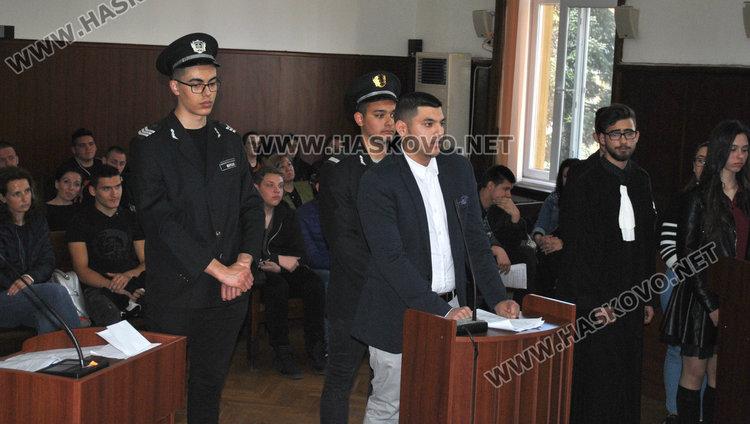 Симулация: 8 г. затвор за подземен бос, склонил непълнолетни към разврат
