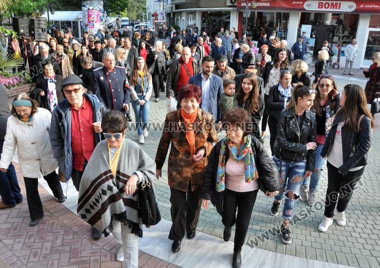 Поетесата Невена Борисова запали литературния огън в Хасково за 47-ми път