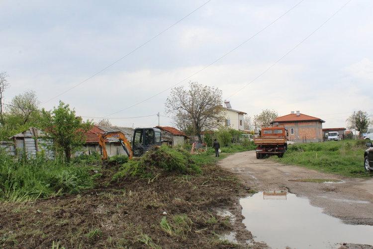 """Започна строителството на детска площадка в кв. """"Хисаря"""""""