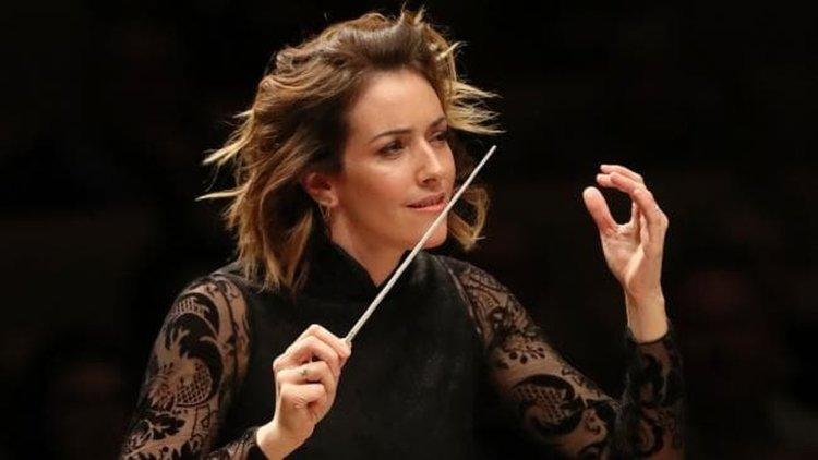 Изключителната Алондра де ла Пара и симфоничен оркестър (видео)