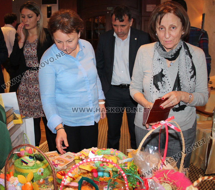 """14 200 лв. в сметката на църквата """"Иван Рилски"""" от благотворителен търг"""