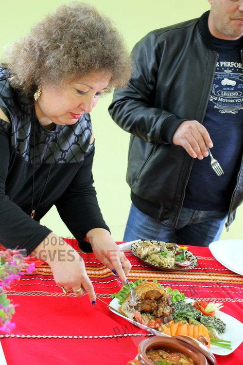 Райновци приютиха в домовете си студенти от Пловдив и направиха готварски събор на тема агнешко месо