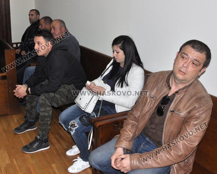 Бившият кмет съди охранителна фирма за 203 000 лв. за пожара в шоурума