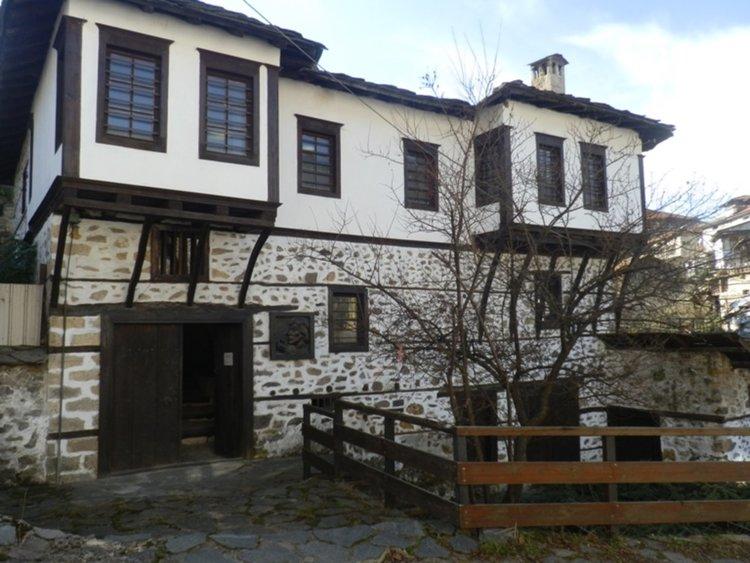 """Къща-музей """"Ласло Наги"""" в Смолян е модернизирана със съвременно осветление"""