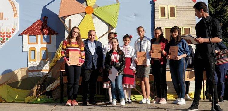 Хеттрик на етнографите от Хасково на ученическия конкурс в Благоевград