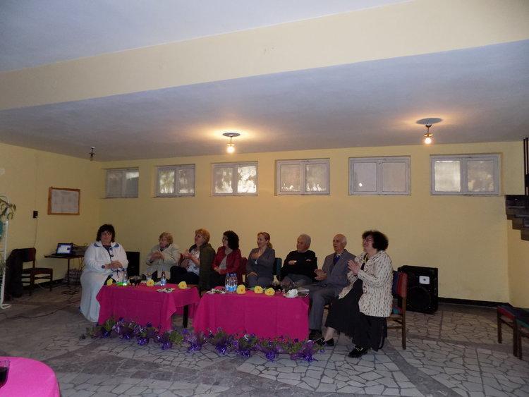 """""""Цветна поезия""""представиха поетите от Творчески поетичен клуб – Дебър"""