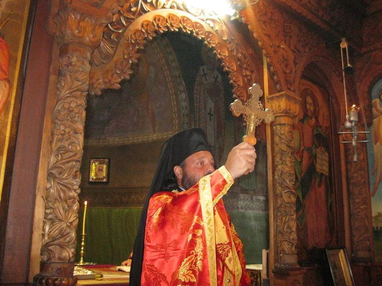 Служения през Страстната седмица на Архимандрит Висарион в Смолянски храмове