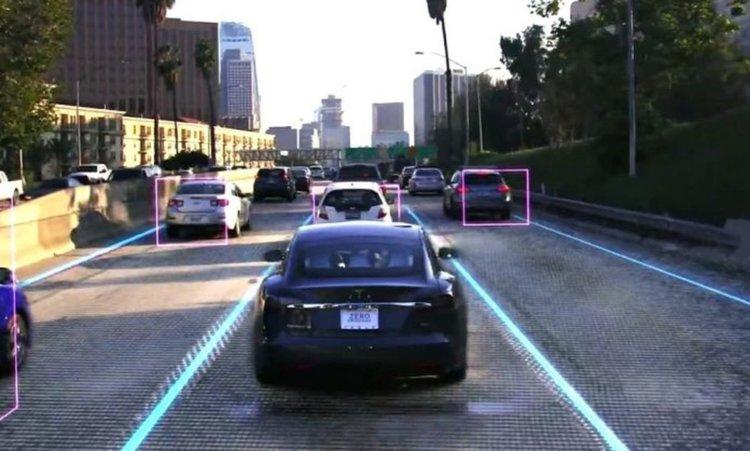Мъск анонсира суперкомпютър, автопилот от пето ниво и роботизирани таксита