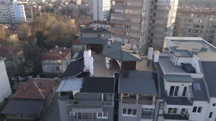 Терасата на шефа в отпуск на КПКОНПИ не е обща част, постройките - незаконни
