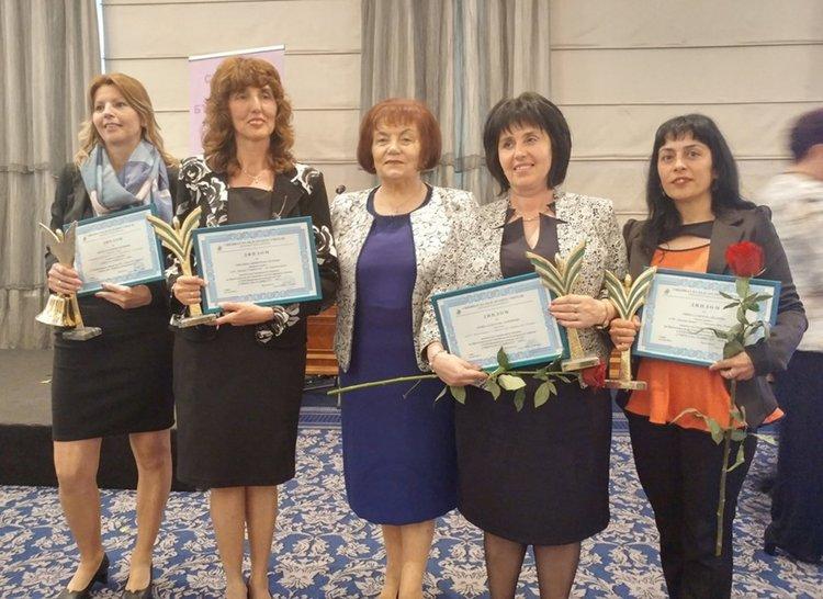 """Учителката Гинка Иванова стана """"Учител на годината"""""""