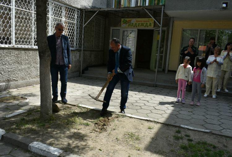 """Започна ремонтът в детска градина """"Надежда"""""""