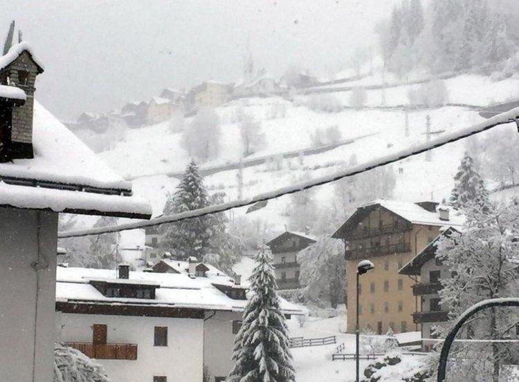 Сняг, град и дъжд стреснаха Италия