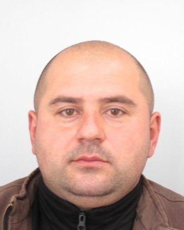 Местните в Костенец: Издирваният за убийството на жена си Стоян Зайков е избягал в чужбина