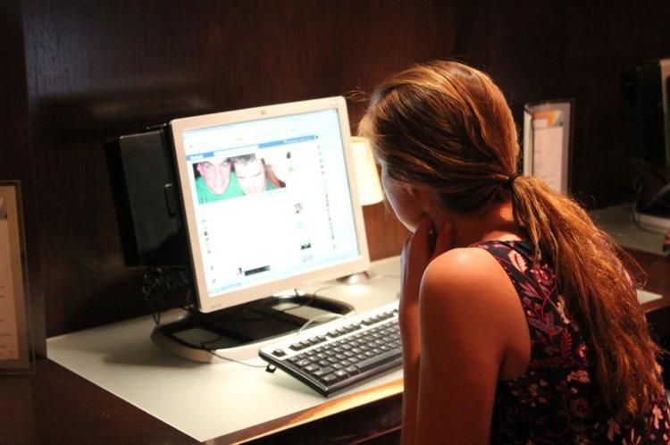 Как социалните мрежи се опитват да манипулират мнението ни