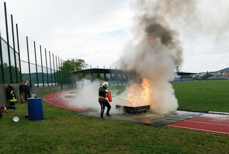Пожарникарите от Подкова най-добри в областта по пожароприложен спорт