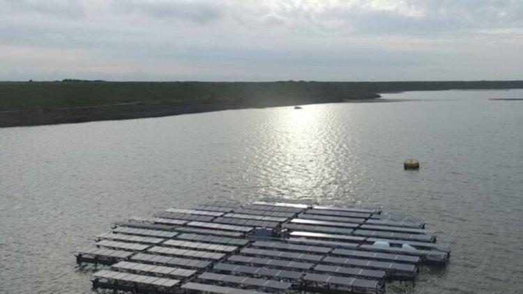 Строят архипелаг от плаващи соларни острови в Нидерландия