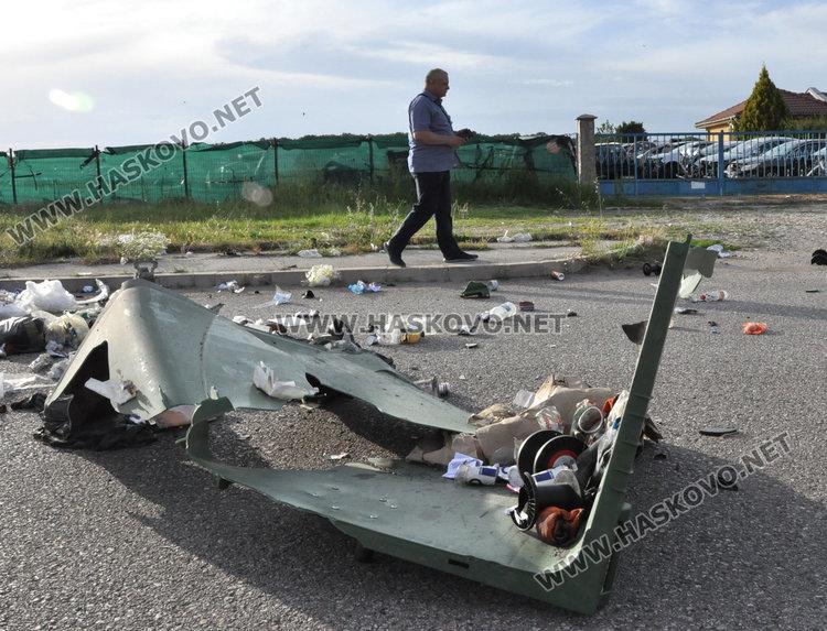Пасат се разби между Бадема и Болярово, жена е в болница