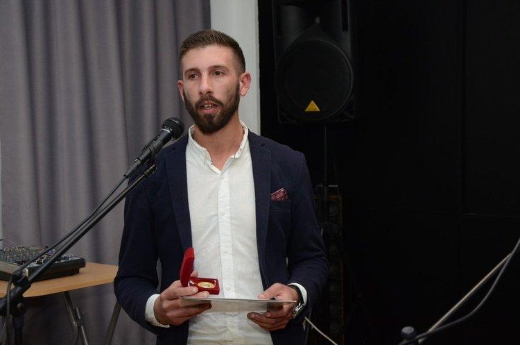 Христо Гешов с наградата от Съюза на българските журналисти през 2018 г.