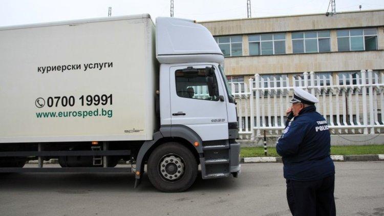 Започна транспортирането на бюлетините за евровота