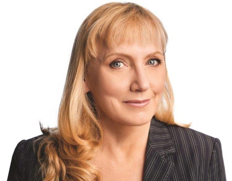 Елена Йончева се среща с граждани в Хасково на 17-ти