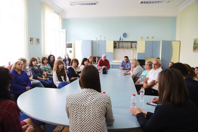 Ева Майдел: Инвестициите в образование в Димитровград са най-отговорната политика на местната власт