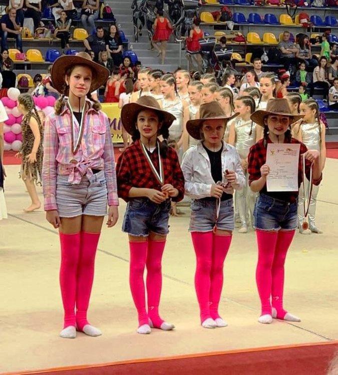 """Каубойките на """"Калия"""" с трето място на Държавната гимнастрада в Шумен"""
