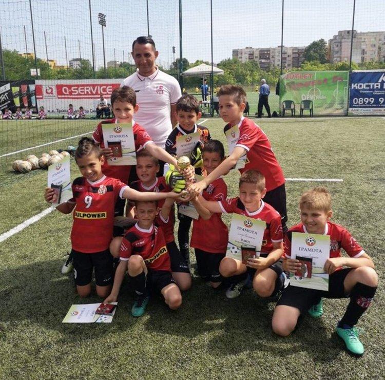 """ФК """"Хасково"""" с бронз от първенството за деца в зона Пловдив"""