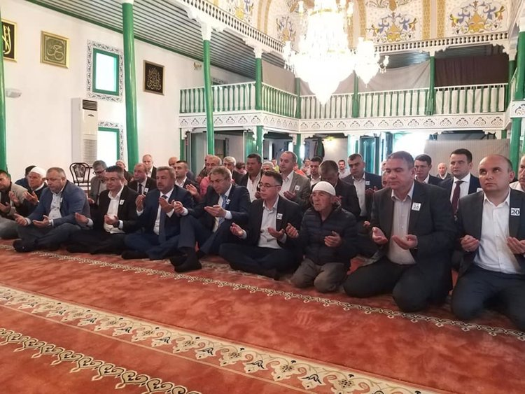 Мустафа Карадайъ и членове на ЦС на ДПС се помолиха за берекет и здраве на джебелчани