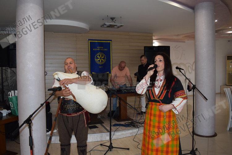 Ротарианци събраха 7 000 лева на благотворителна вечер, парите са за детски полигон за безопасност на движението в Кърджали