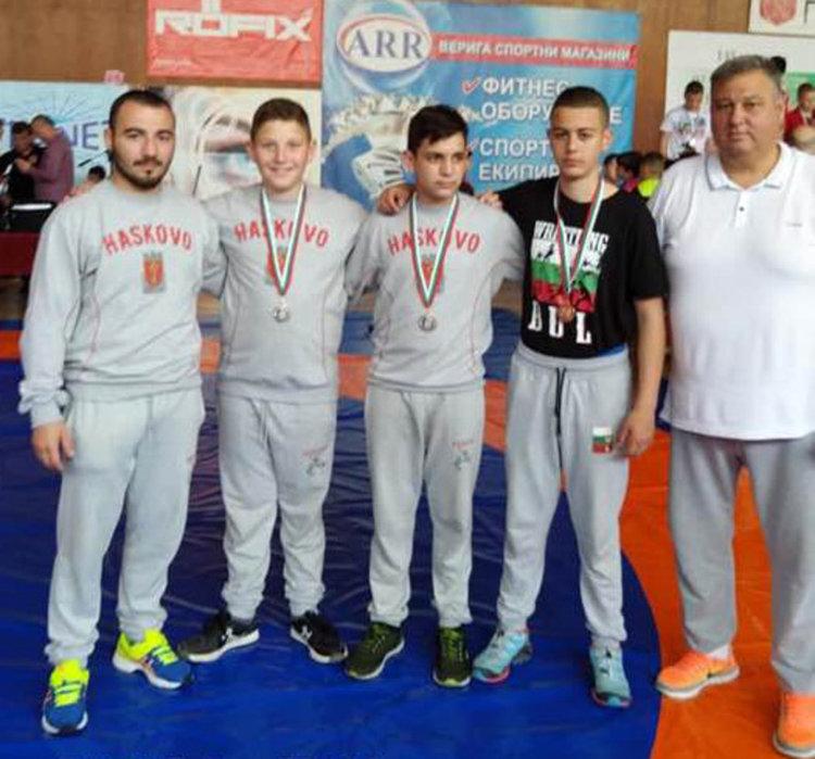 10 медала за борците от Хасковско от Държавния шампионат в Горна Оряховица