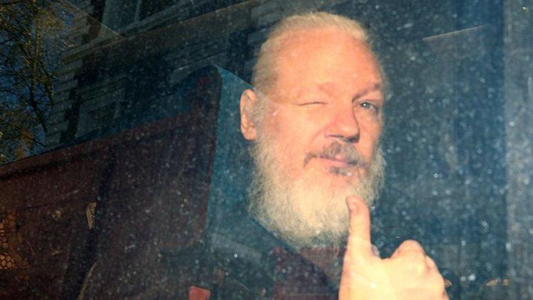 Шведски прокурор поиска задържане на Асанж по обвинение в изнасилване