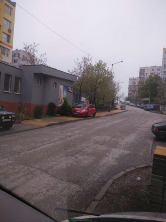 Паркиране на нов тротоар