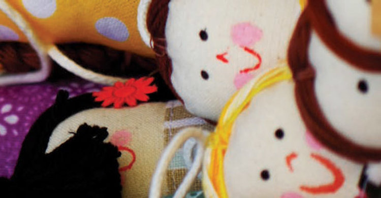 """""""Синя"""" изложба и """"Ателие за кукли"""" за Деня на детето в Димитровград"""