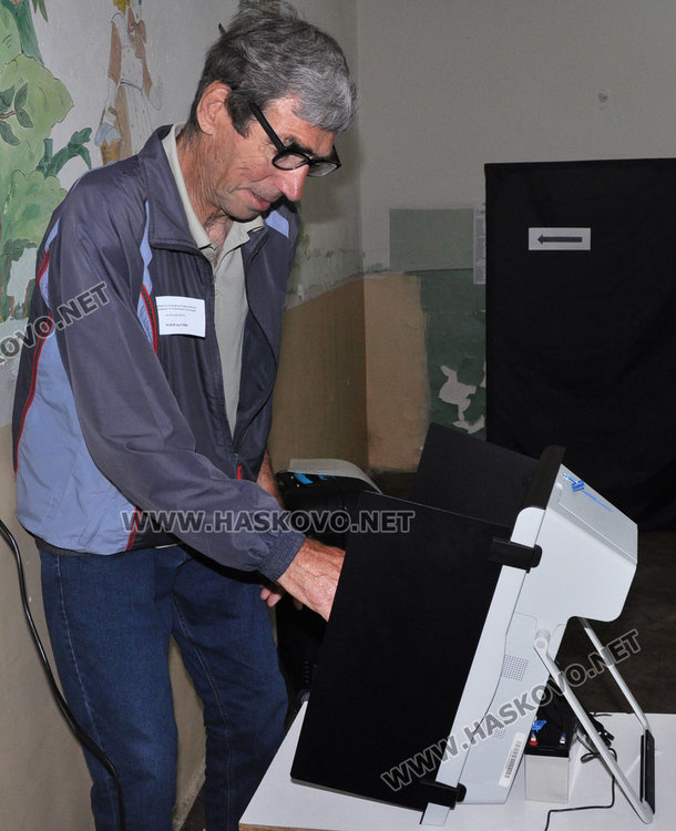 17,77 % избирателна активност, две жалби в РИК /обновена/