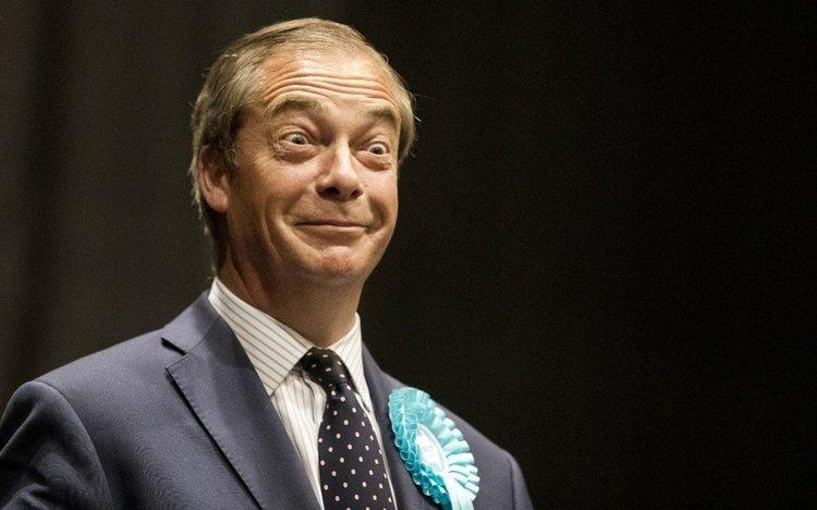 """Във Великобритания печели Партия """"Брекзит"""" на Фараж"""