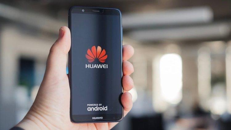 Google срещу Huawei - защо Android може да се окаже големият губещ